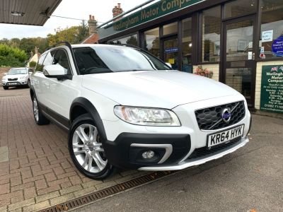 Volvo XC70 2.4 D5 [215] SE Lux 5dr AWD Geartronic Estate Diesel White at Worlingham Motor Company Beccles